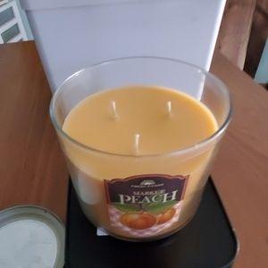bath and body works Accents - Peach Bath & body works candle
